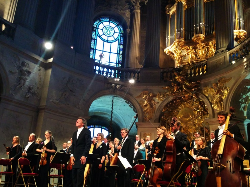 Harry Chistophers et The Sixteen à Versailles © Muse Baroque